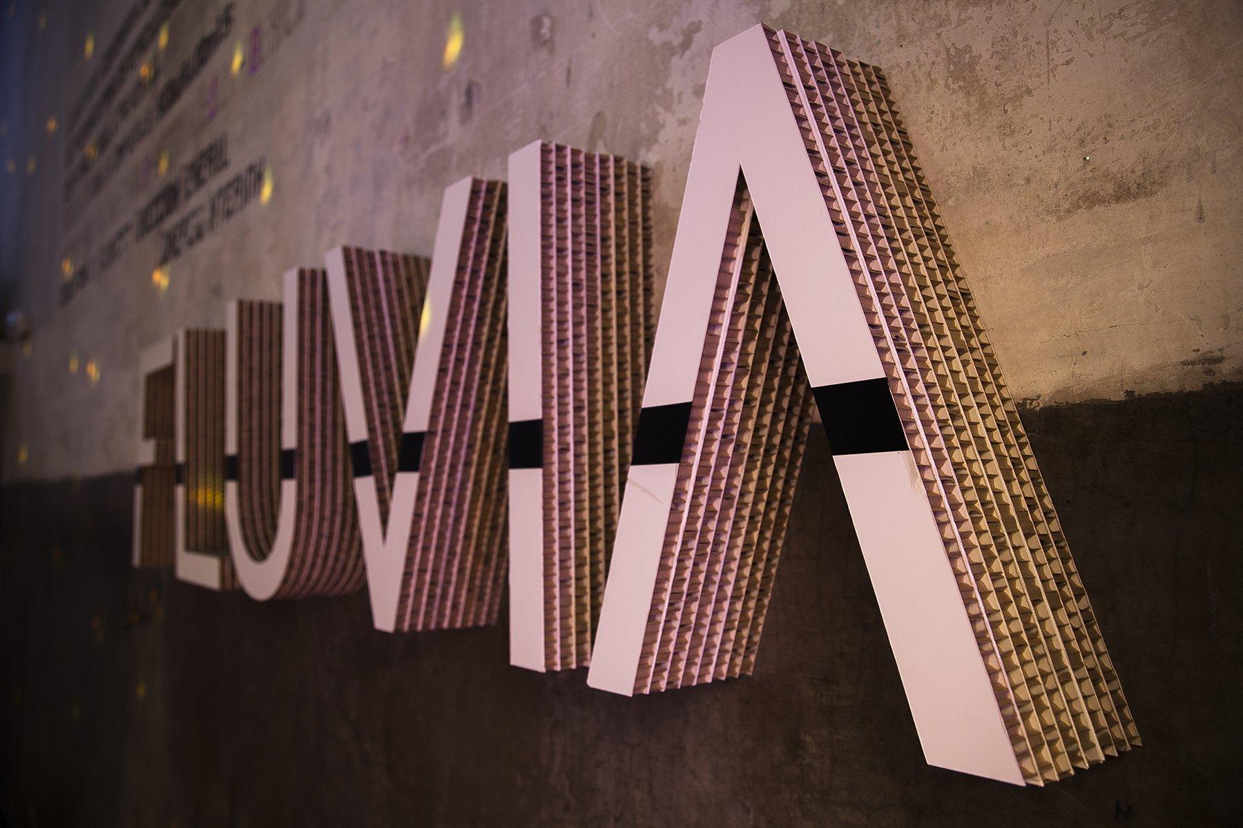 letras-corporeas-carton-fluvia