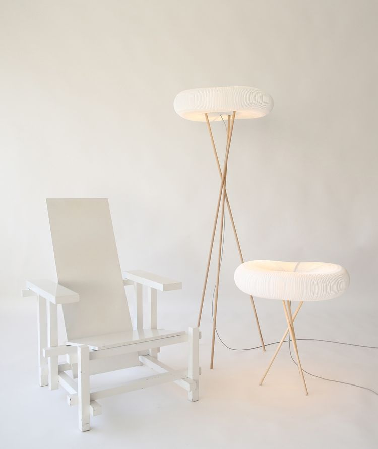 molo_lamp_with_chair-cardboard-blog-post-prigami