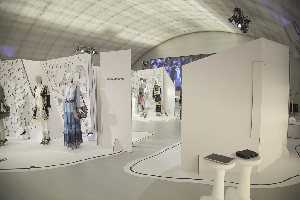 cardboard-projects-arquitectura-efimera-carton-desigual-fashionweekmadrid-eventos