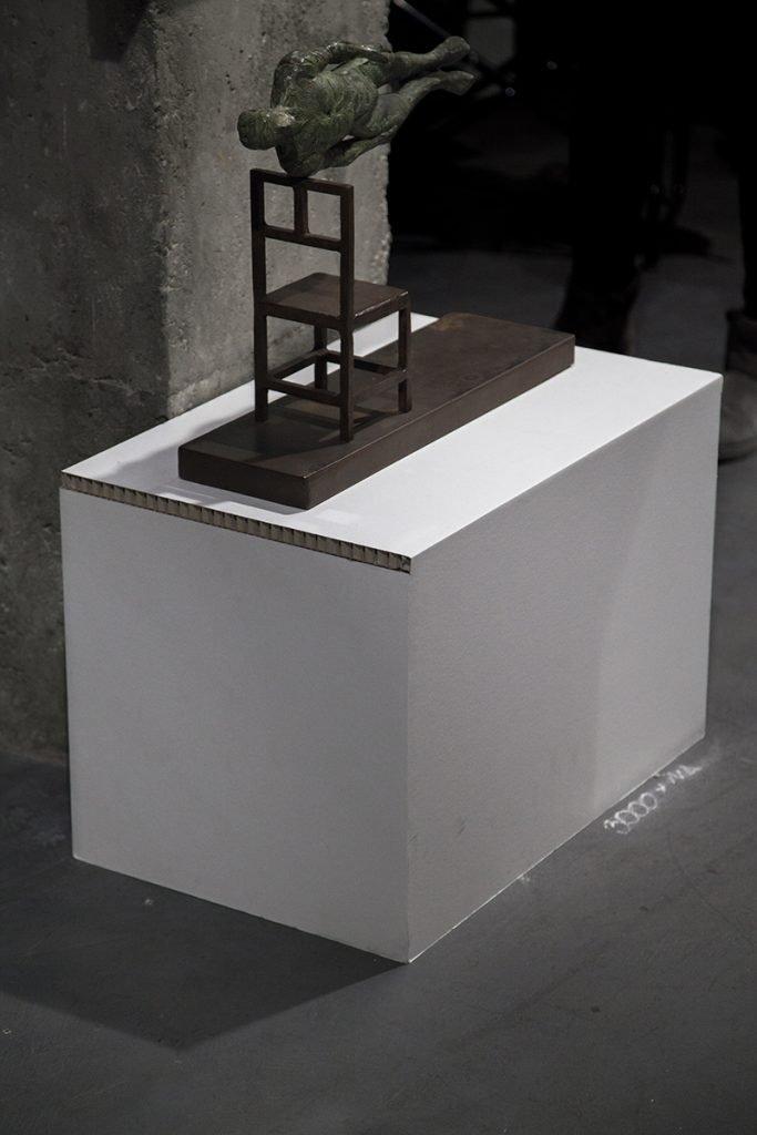 Peanas de Cardboard en la exposición Cien de Cien en The Makers (Cardboard.es)