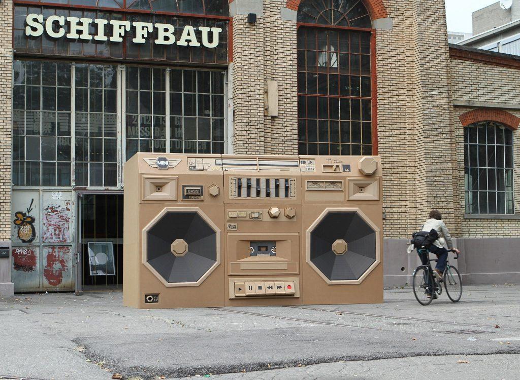 Street art en cartón