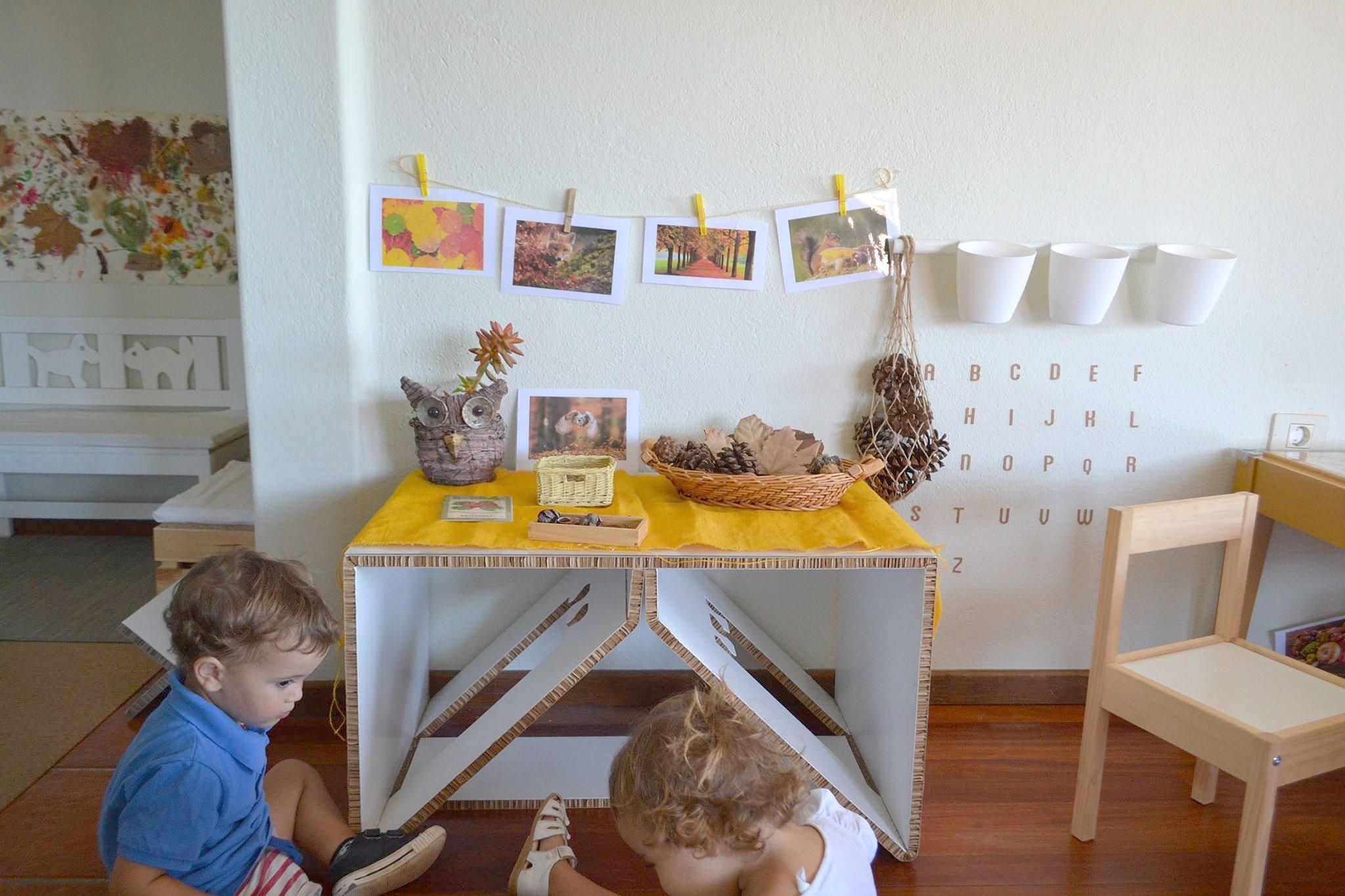 muebles-de-carton-colegio-cardboard-furniture-school-miuniverso-lanzarote