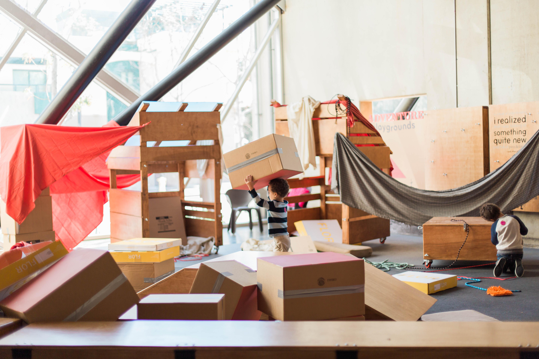 muebles-de-carton-espacios-infantiles-cardboard-furniture-museos-niños-NCM-MAKE-SHIFT