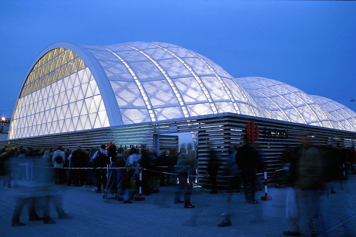 estructura-de-carton-exterior-Jens-Bludau