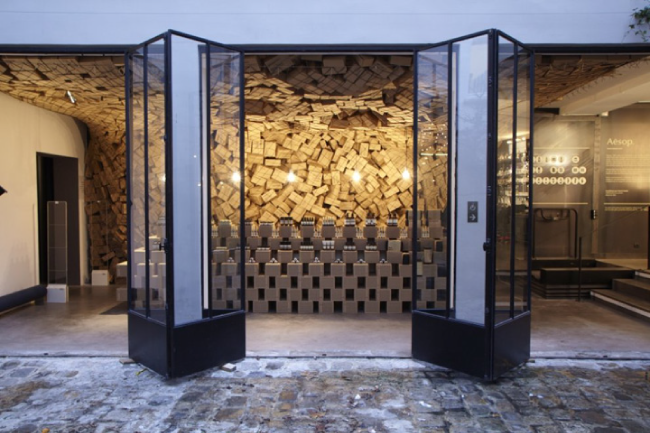 Cardboard-Pop-up-store-cartón-Aesop-Paris-Blog0.3