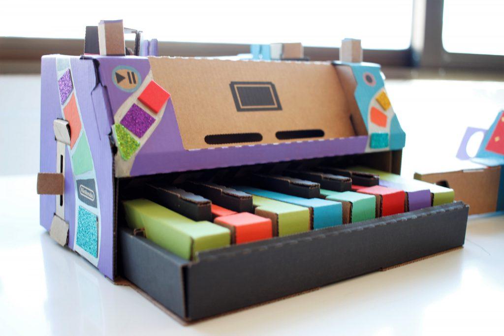 Cardboard-toy-con-jugutes-carton-Nintendo-Labo-personalización-0.4