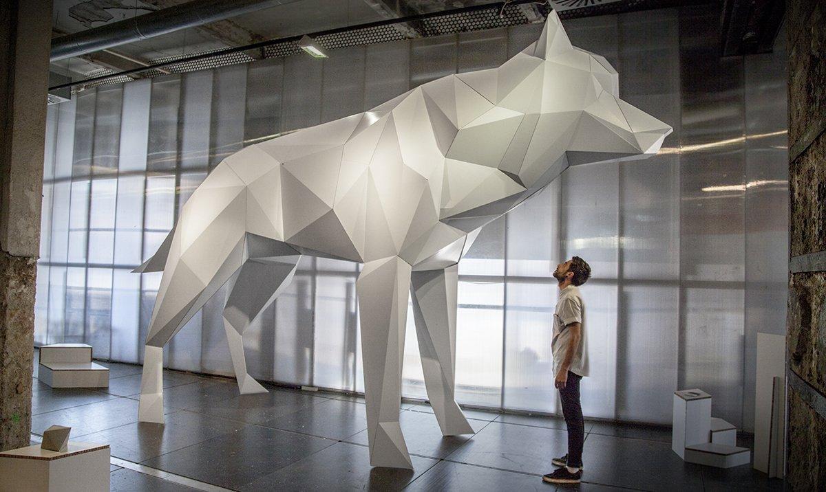 lobo-carton-gigante-wolf-cardboard-eventos copy